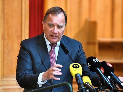 El socialdemócrata Stefan Lofven ofrece una rueda de prensa después de participar en una sesión en el Parlamento sueco en Estocolmo, el pasado 29 de junio.