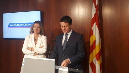Manuel Valls y Eva Parera, en el Ayuntamiento de Barcelona, el pasado martes.