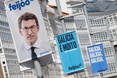 Carteles electorales del candidato a la presidencia de la Xunta de Galicia, Alberto Núñez Feijóo.