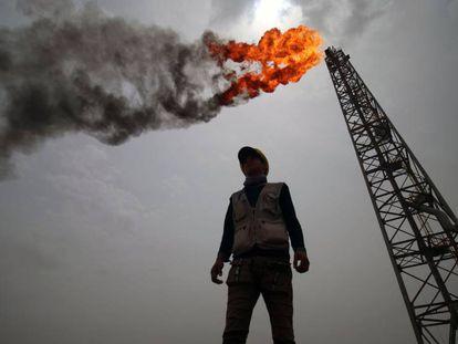 Imagen del campo de petróleo y gas de Zubair, en la provincia iraquí de Basra.