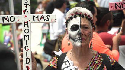 Una protesta durante el Día de la madre en Ciudad de México.