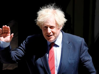 Boris Johnson, este miércoles, en la puerta de Downing Street, en Londres.