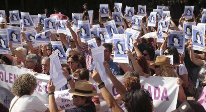 Concentración en Granada en apoyo a Juana Rivas, en agosto de 2017.