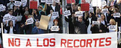 Protesta contra la eliminación de 3.000 puestos de trabajo.