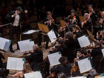 David Afkham, este viernes en Madrid al frente de la Orquesta Nacional.