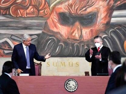 Andrés Manuel López Obrador con Arturo Zaldívar, en diciembre.