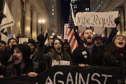 Manifestación en Chicago de los miembros del movimiento Occupy Chicago y Stand Up Chicago en noviembre de 2011.