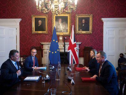 El ministro británico del Brexit, David Frost durante la reunión con el vicepresidente de la Comisión Europea, Maros Sefcovic, en Londres, el pasado 9 de junio.