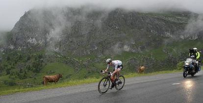 Pogacar durante la octava etapa del Tour.