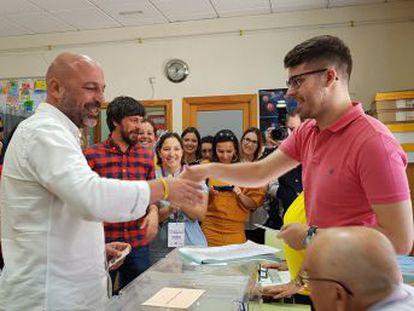 La dirección de Castilla-La Mancha dimite en bloque y Aragón quiere marcar  perfil propio  frente a Iglesias
