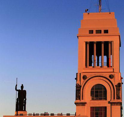 Parte de la fachada del Círculo de Bellas Artes.