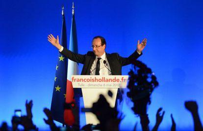 François Hollande durante su primer discurso, en Tulle, tras su victoria en las presidenciales de Francia.