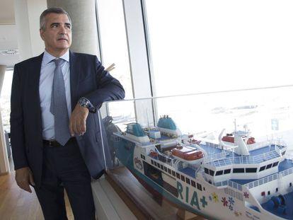 El presidente de Baleària, Adolfo Utor, en la sede de la empresa en Dénia.