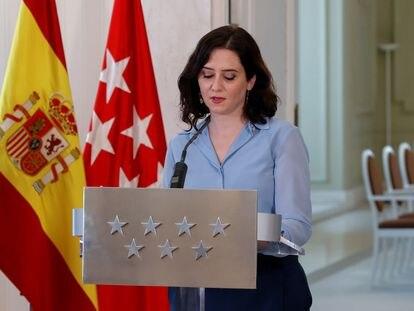 La presidenta madrileña, Isabel Díaz Ayuso, durante la rueda de prensa ofrecida en la sede de la Comunidad tras firmar este miércoles un decreto para convocar elecciones anticipadas.