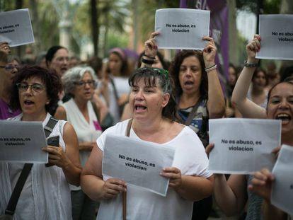 Protesta en Barcelona por otro caso de violación en Manresa.