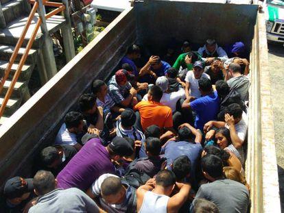 Rescate de 77 migrantes en Oaxaca (México) en febrero de 2015.