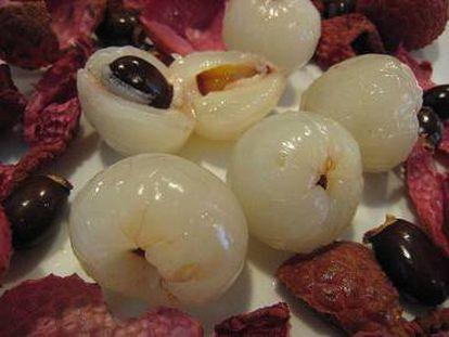 La pulpa blanca que se come tras pelar el fruto.