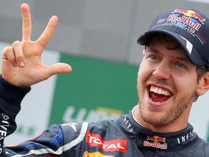 Vettel celebra el título, tercero de su carrera, en el circuito de Interlagos