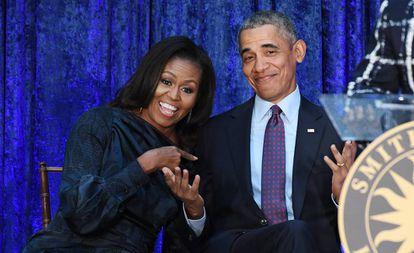 Barack y Michelle Obama, en la presentación en febrero de 2018 de sus retratos presidenciales en la National Portrait Gallery de Washington.