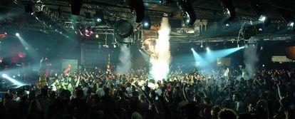 Fiesta de Nochevieja en una discoteca de Madrid.