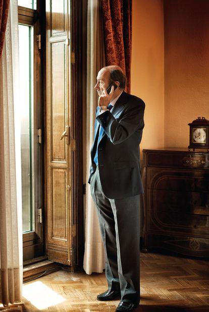 Alfredo Pérez Rubalcaba en una de las salas del Ministerio del Interior
