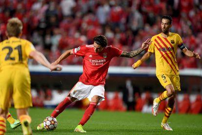 Darwin Nunes, el momento en que marcó su primer gol de la noche.