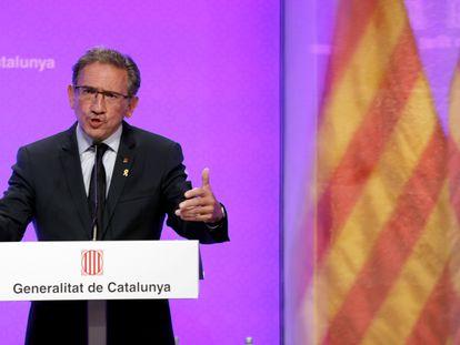 El consejero de Economía, Jaume Giró, en la rueda de prensa posterior en la que ha anunciado que se ha creado un fondo para ayudar a los ex altos cargos de la Generalitat por 5,4 millones.