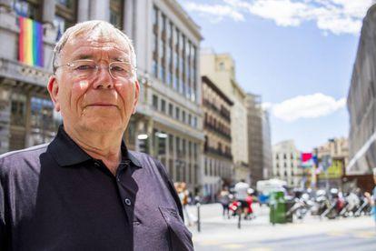 Jan Gehl en la calle de Alcalá, Madrid.