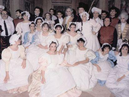 El Cor de la Generalitat en la representación de 'Don Pasquale' en 1987