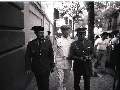 De izquierda a derecha, Antonio Tejero, Camilo Menéndez y Ricardo Sáenz de Ynestrillas, condenados por la Operación Galaxia, en 1980.