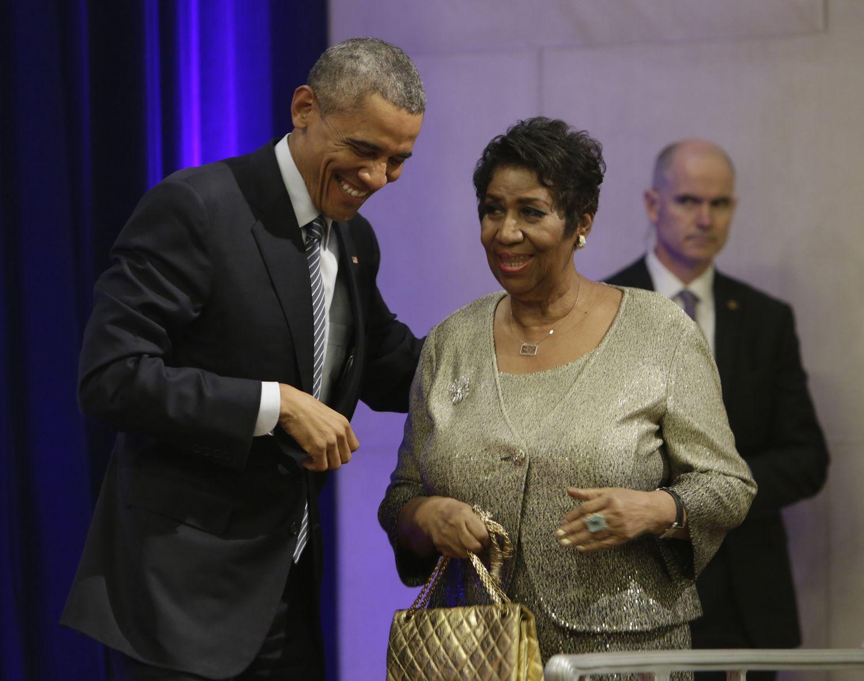 Barack Obama y Aretha Franklin, en Washington, en febrero de 2015.
