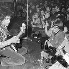 Hendrix actuando en Hamburgo, Alemania, en 1967.