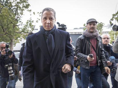 Eduardo Zaplana frente al juzgado de guardia de Valencia en febrero de 2019.