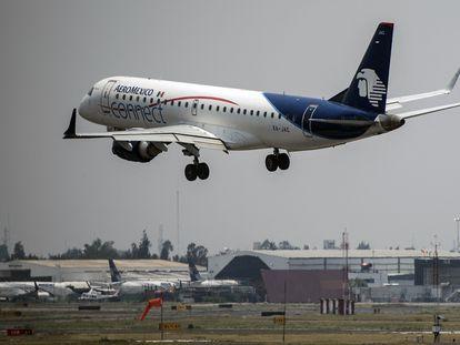 Un avión de Aeroméxico despega del Aeropuerto Internacional de Ciudad de México, la semana pasada.