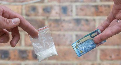 Venta de cocaína en la calle.