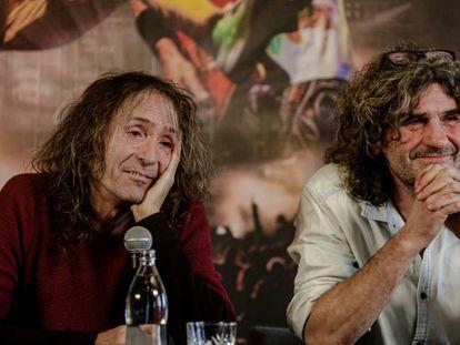 Robe Iniesta e Iñaki 'Uoho' Antón durante la rueda de prensa en Madrid en diciembre de 2019 donde anunciaron la gira de despedida de Extremoduro.