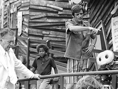 Lincoln Maazel (a la izquierda) y George A. Romero, en el rodaje de 'The Amusement Park'.
