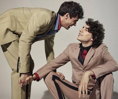 Javier Ambrossi y Javier Calvo posan en exclusiva para ICON vestidos de Prada.