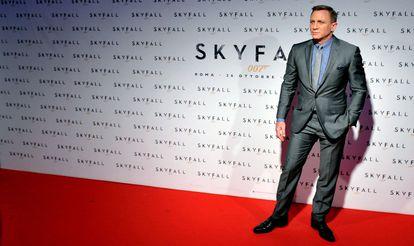 El actor Daniel Craig interpreta a James Bond, una de las franquicias más valiosas de MGM.