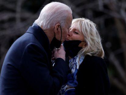 El presidente de los Estados Unidos y la primera dama, Joe y Jill Biden, en la Casa Blanca, en Washington, el pasado 29 de enero.