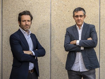 Eduardo Madina (derecha) y Borja Sémper, este lunes en Madrid.