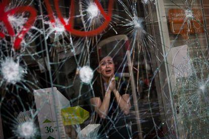 Imagen de los disturbios en Barcelona durante la huelga general del 29 de marzo de 2012. Fotografía ganadora de los Ortega y Gasset.