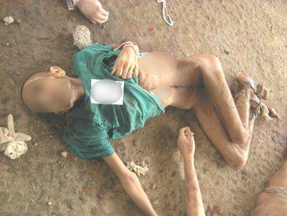 Una de las imágenes de cadáveres con signos de tortura aportadas por el desertor sirio.