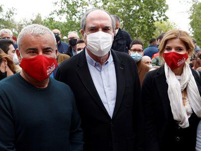 Ángel Gabilondo, en el centro, junto al presentador Jorge Javier Vázquez y la 'número dos' de la candidatura del PSOE, Hana Jalloul.