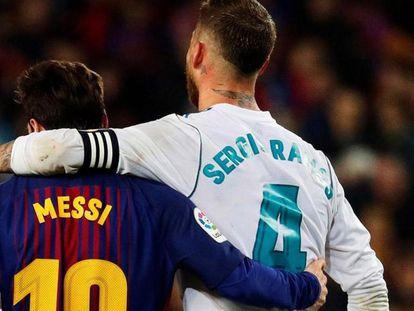 Leo Messi y Sergio Ramos durante un clásico.