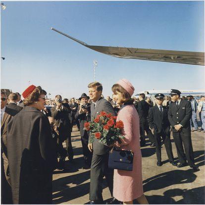 El presidente Kennedy y su esposa Jackie, en Dallas en noviembre de 1963.