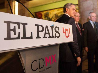 EL PAÍS inaugura la exposición '40 años de periodismo global' en el Palacio de Bellas Artes de México.