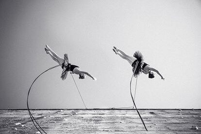 'Finale', el espectáculo de danza aérea de Delrevés.