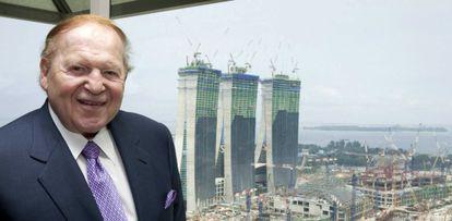 Adelson, en 2009 frente a las obras de su casino en Singapur.