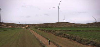 Vista de los nuevos molinos eólicos de Muniesa (Teruel).